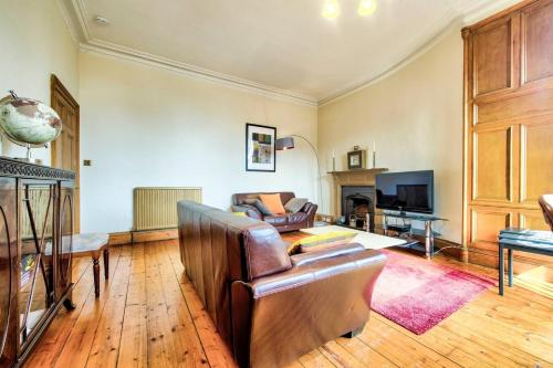 ALTIDO Spacious Flat in Old Town
