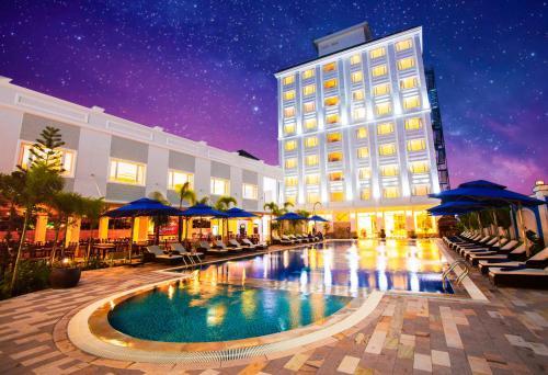 Бассейн в Phu Quoc Ocean Pearl Hotel или поблизости
