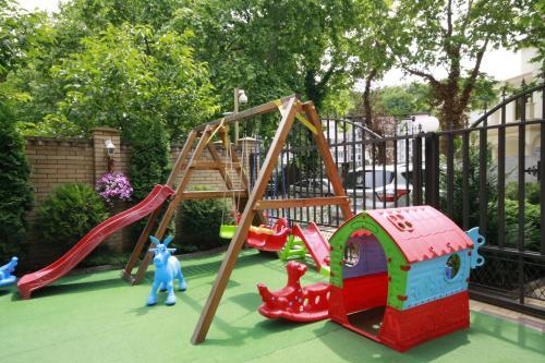 Детская игровая зона в Гранд Вилла Гостевой Дом
