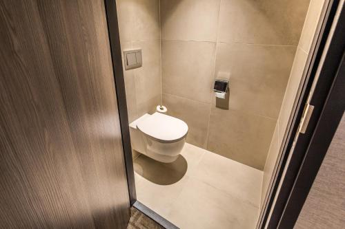 A bathroom at Van der Valk Hotel Hengelo