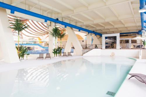 The swimming pool at or near Toya Sun Palace Resort & Spa