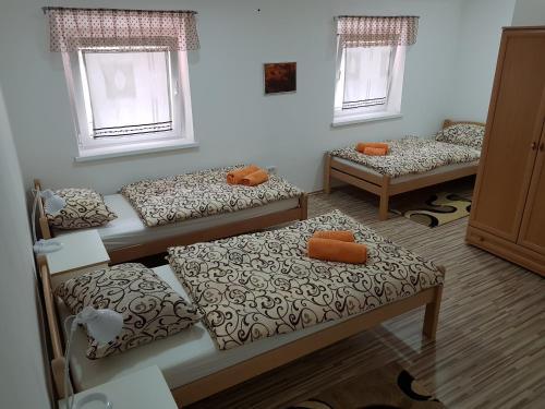 A seating area at Apartmaji Kala