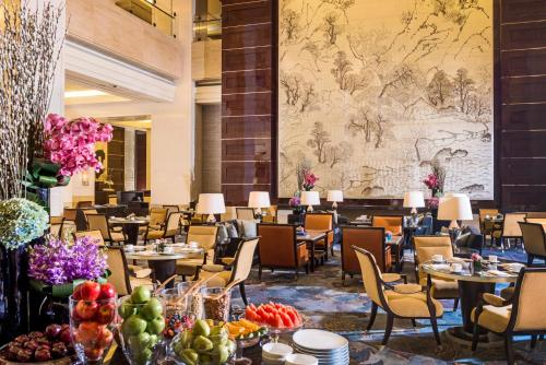 A restaurant or other place to eat at Four Seasons Hotel Beijing