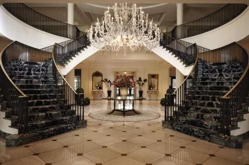 The lobby or reception area at Belmond Charleston Place