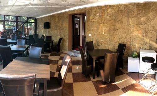 Un restaurant sau alt loc unde se poate mânca la Hotel Hermes