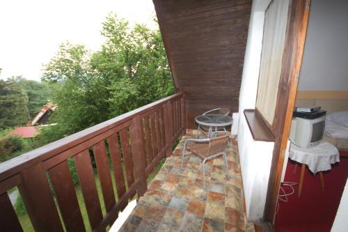 Balkón nebo terasa v ubytování Holiday home Kovarov/Lipno-Stausee 1942