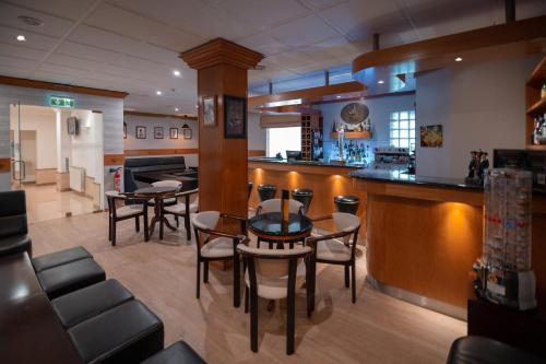 A área de bar ou lounge em Avenida de Fatima