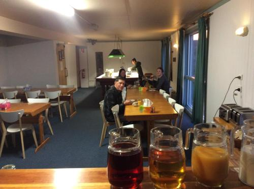 A restaurant or other place to eat at Chalet Jindabyne