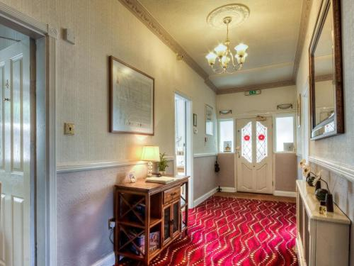 A kitchen or kitchenette at Brooklands Lodge - Bed & Breakfast