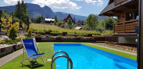 The swimming pool at or close to Apartamenty Sun & Snow Resorts Lipki Park