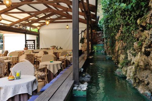 Restaurace v ubytování Hotel Salus