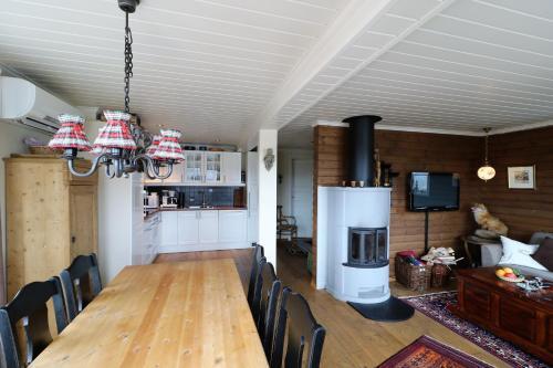 Ett kök eller pentry på RIBO Apartment Katterjåkk