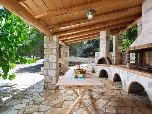 BBQ facilities available to guests at the villa