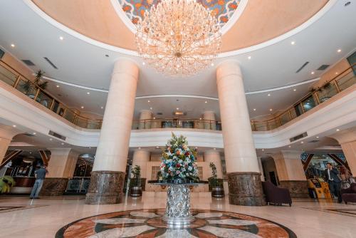 Лобби или стойка регистрации в Miran International Hotel