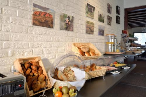 Breakfast options available to guests at Hotel Residentie Slenaeken