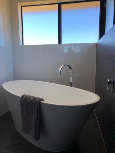 A bathroom at The Shak Kalbarri