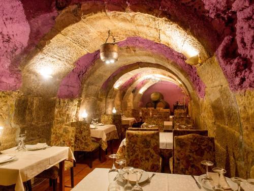 Un restaurante o sitio para comer en Los Calaos de Briones