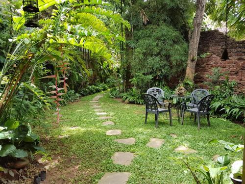 A garden outside Highbury Colombo