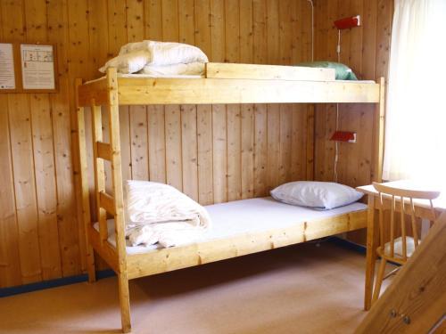 En eller flere køyesenger på et rom på NMS Camp Sjusjøen