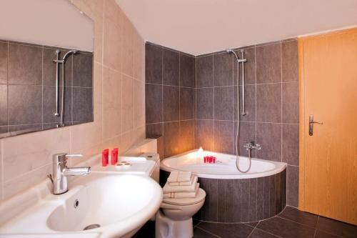 Ένα μπάνιο στο Polydor