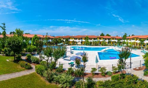 Výhled na bazén z ubytování Villaggio Ducale nebo okolí