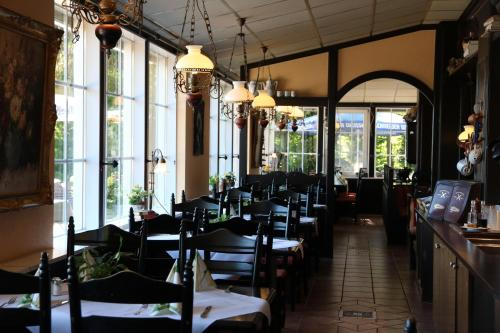 A restaurant or other place to eat at Haags Hotel Niedersachsenhof