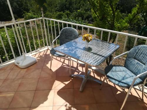 A balcony or terrace at Apartments Jelić