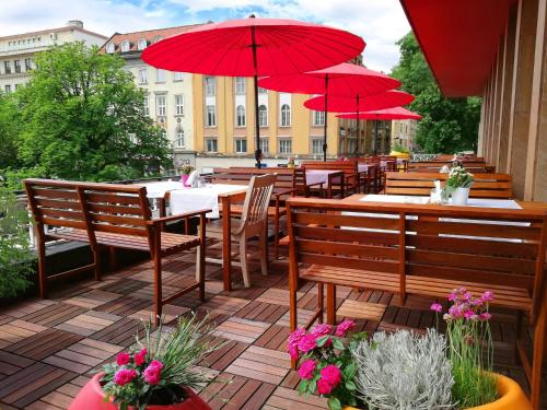 A restaurant or other place to eat at Rila Hotel Sofia
