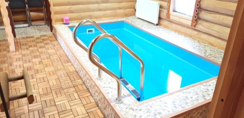 The swimming pool at or near Cottage Eremino 2