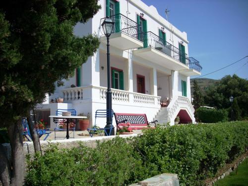 Сградата, в която се намира къщата за гости