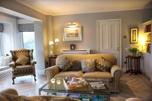 A seating area at Abocurragh Farmhouse Bed and Breakfast