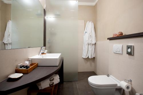 Bagno di Hotel Mediterraneo Spa and Wellness