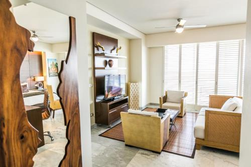 A seating area at Palacio Mundo Imperial All inclusive hotel