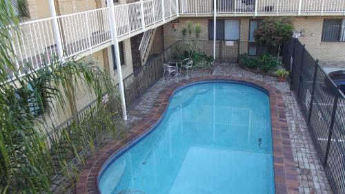 A view of the pool at Chermside Motor Inn or nearby