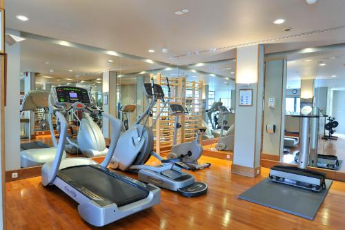 The fitness center and/or fitness facilities at Parker Hotel Brussels Airport