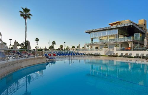 Het zwembad bij of vlak bij Sol Don Pablo