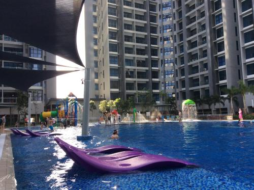 The swimming pool at or near Eye of London @ Central Malacca