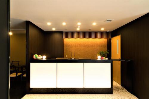 De lobby of receptie bij Kyoto Crystal Hotel Ⅰ