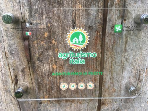 Logo o insegna of country house