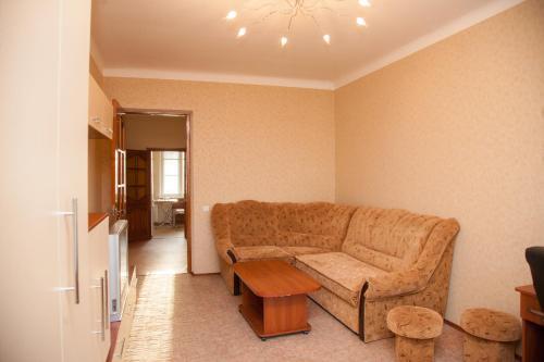Гостиная зона в 2 Rooms Apartment 80 Nezalezhnoi Ukrainy Str. Luxury class. Centre