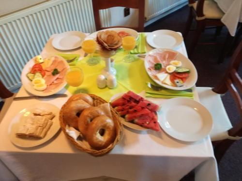 Možnosti snídaně pro hosty v ubytování Penzion Pohoda Beroun