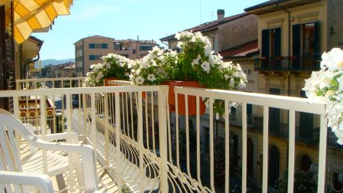 A balcony or terrace at Hotel I 4 Assi