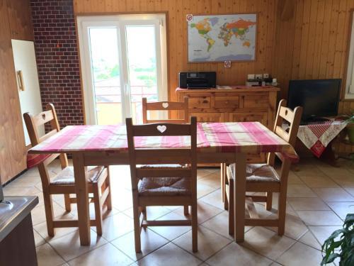 Ein Restaurant oder anderes Speiselokal in der Unterkunft Bed and Breakfast Le Central