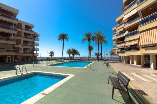The swimming pool at or near Ibersol Sol De España