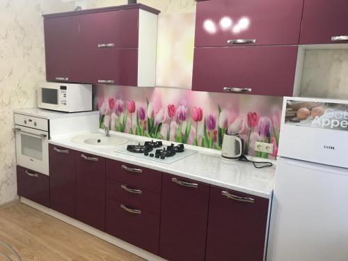 Кухня или мини-кухня в 2-к квартира, 48 м²