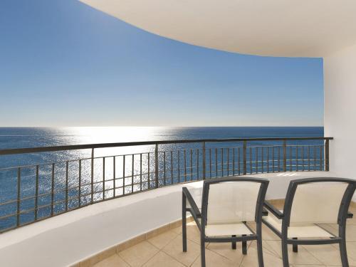 Een balkon of terras bij Olée Nerja Holiday Rentals by Fuerte Group