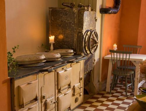 Ett kök eller pentry på Kastellet Bed & Breakfast