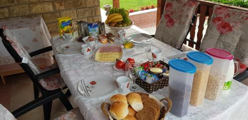 Doručak je dostupan u objektu Guest House Mijić
