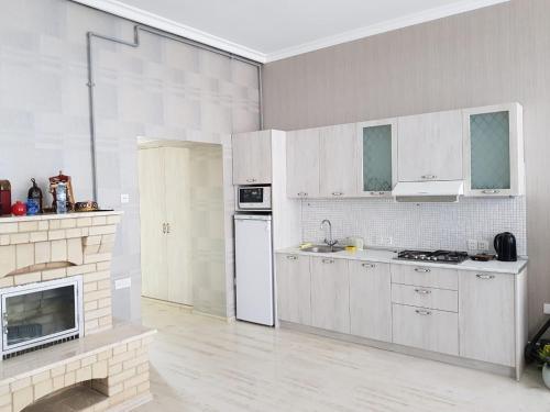 A cozinha ou cozinha compacta de RasulRza