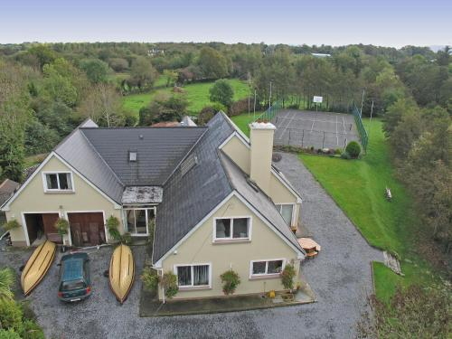 A bird's-eye view of Camillaun Lodge with Lough Corrib Boat Hire